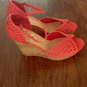 Shoes - Salmon Wedge Size 13